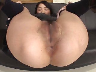 Down in the mouth Japanese schoolgirl farting