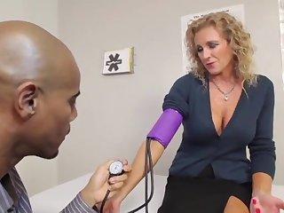 Cougars Like It Ebony - Jade Jameson Medicine roborant Exam