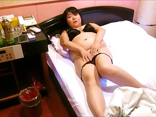 This hungry fat Asian hooker loves my dick and she loves a good mish charge from
